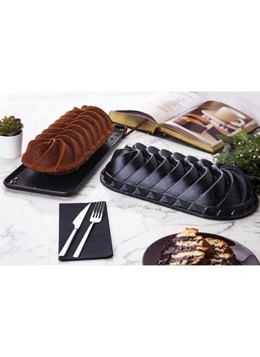 Taç Rüzgar Gülü Baton Döküm Kek Kalıbı Siyah Renkli